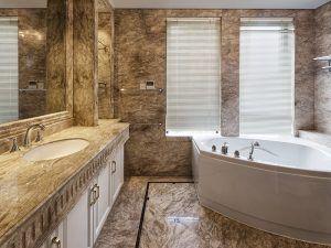 klassieke badkamer - De Jong Natuursteen Gorredijk Heerenveen